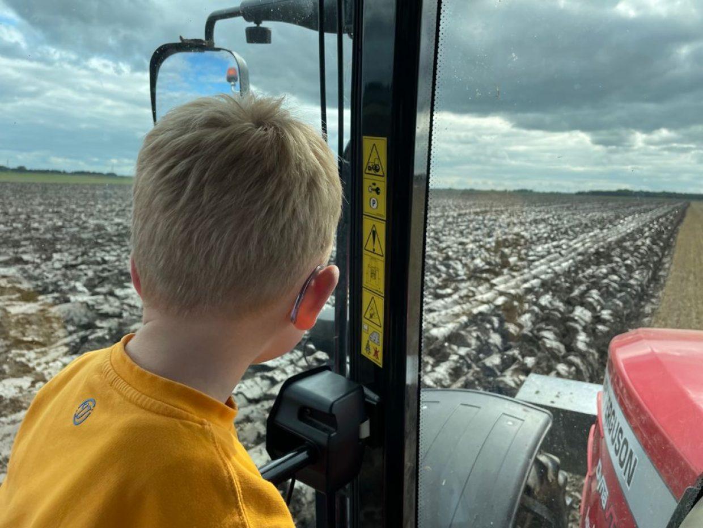 Jong geleerd… Dartelpraat met boerin Annechien